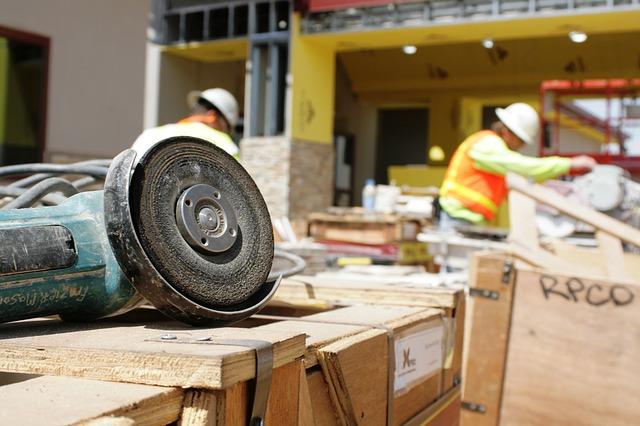 Organizacja zakupów na budowę