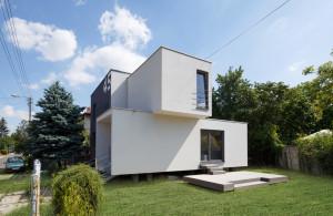 Nowoczesny dom z płaskim dachem